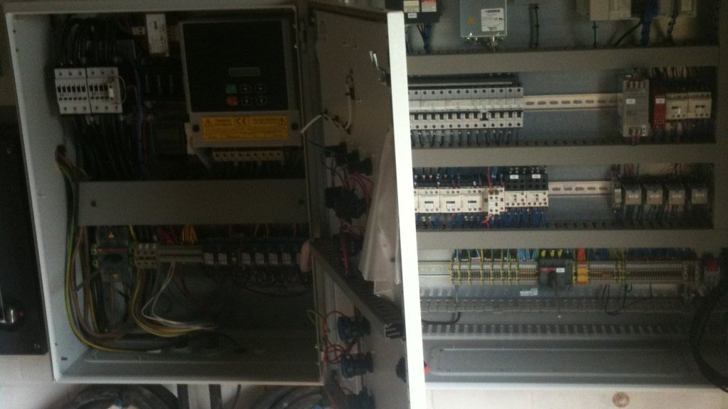 AC motor control and PLC